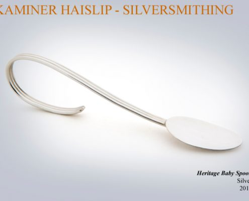 The Heritage title for this spoon refers to the line design on the handle.