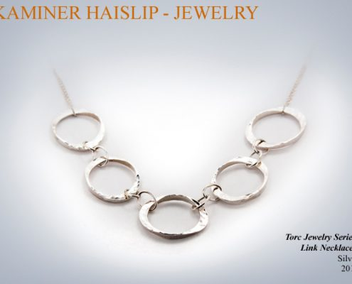 Multiple hammered links make up this unique necklace.
