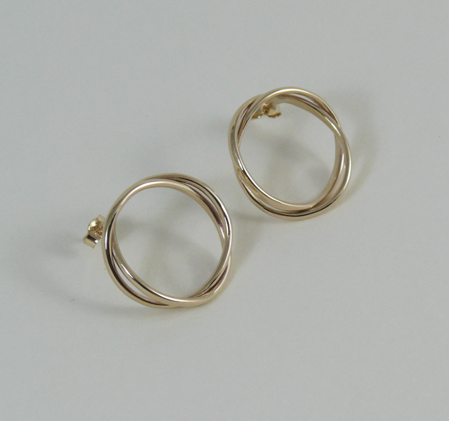 interlocking gold earrings