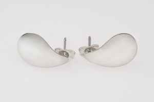 oyster shell post earrings