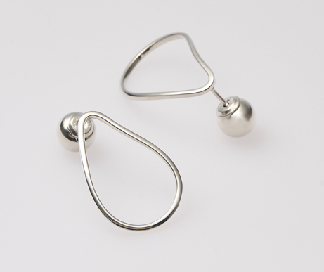 holiday gift guide post and courier silver oyster earrings